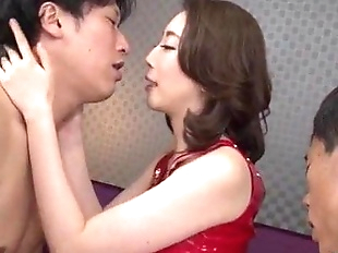 Asian wife Aya Kisaki loves fucking in threesome..