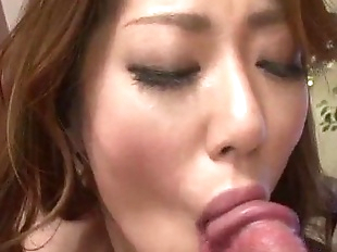 Reina Nishio perky tits beauty dealing two cocks..