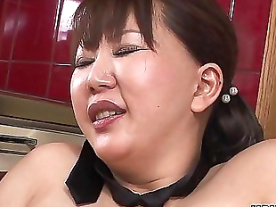 Chubby Japanese MILF moans while her hairy pussy..