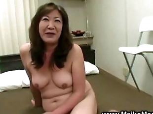 Horny japanese milf gets fingered and loves it -..